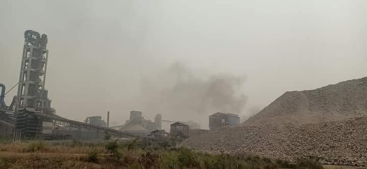 धुलो र धुँवाले छोपियो ज्यामिरे-अस्नैया सडक क्षेत्र, ठुला उद्योगसामु निरीह स्थानीय सरकार